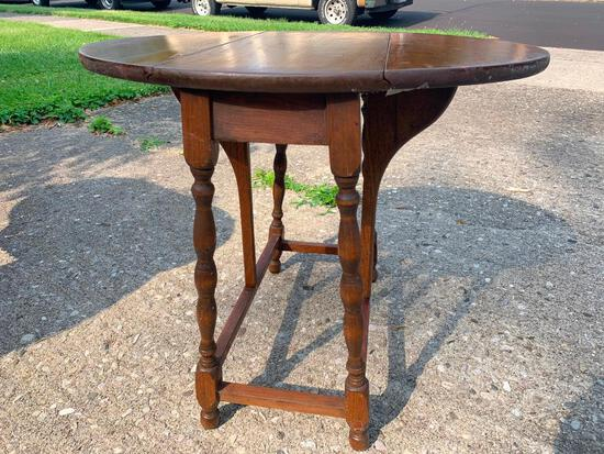 """Vintage Double Drop Leaf Wood Side Table w/Spindle Legs 21"""" T x 25"""" W x 21"""" D - As Pictured"""