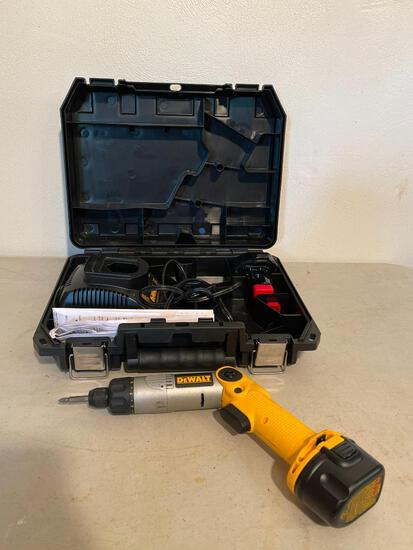 Dewalt 7.2 Volt Heavy Duty Cordless Screwdriver Carrying Case & Charger. In working condition