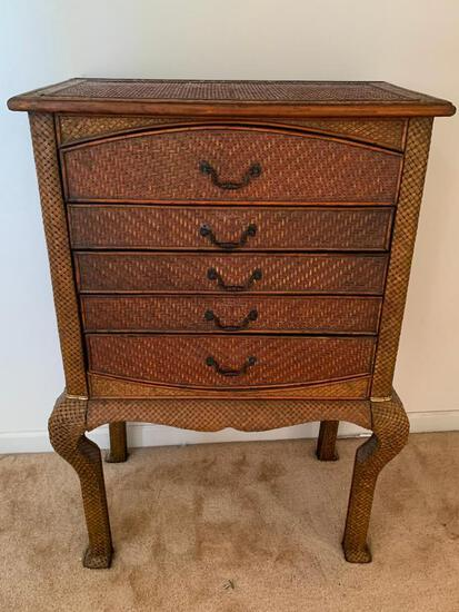 """Wicker Dresser w/5 Drawers. This is 44"""" T x 29"""" W x 17"""". Nice Condition - As Pictured"""