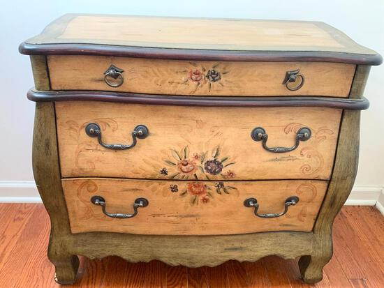 """Small Chest of Drawers. This is 26"""" T x 29"""" W x 14"""" D - As Pictured"""