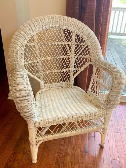 """Outdoor Wicker Chair. This is 36"""" T x 29"""" W . In Great Shape - As Pictured"""