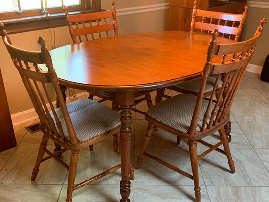 """Dining Room Table w/4 Chairs by Tell City Chair Co. This is 30""""T x 55"""" L x 40"""" W - As Pictured"""
