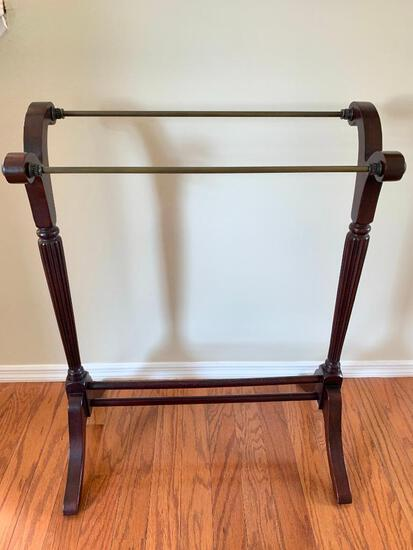 """Quilt Rack. This is 34"""" x 28"""" and is NOT Sturdy - As Pictured"""