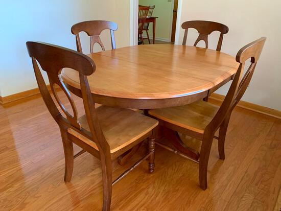 """Two Tone Dining Room Table & Chairs. The Table is 30"""" T x 54"""" W x 42"""" D w/Leaf. Very Good Condition"""