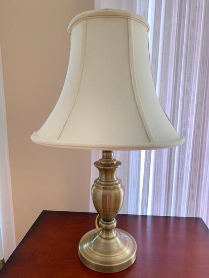 "24"" Lamp w/Shade"