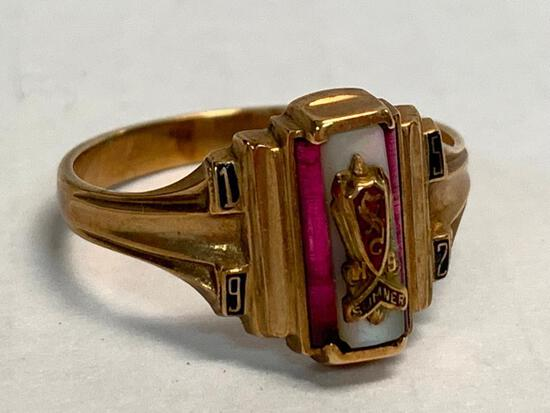 10K Men's Ring. WT = 4.1 grams