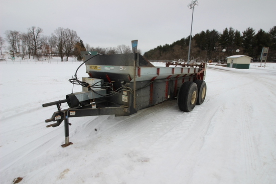 Meyer M390 Spreader