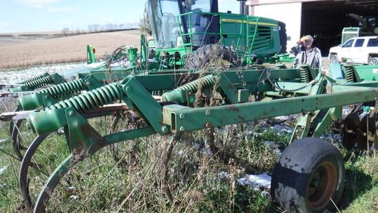 John Deere 712 Soil Saver