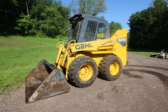 Gehl 5240 E Series Skid Steer
