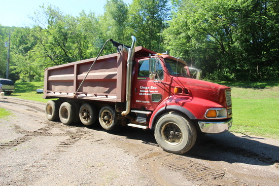 1996 Ford Louisville Quad axle Dump Truck