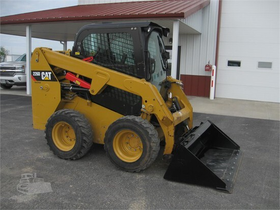 CAT 226D Skid Steer
