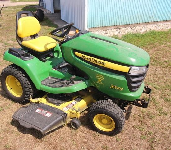 John Deere X540 Lawn Mower