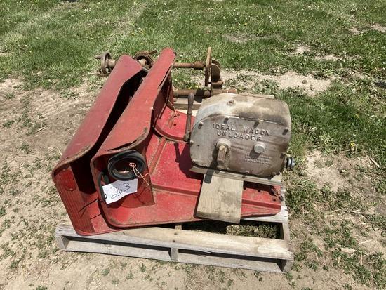 Pallet w/ Fenders, Wagon Unloader, Old Press