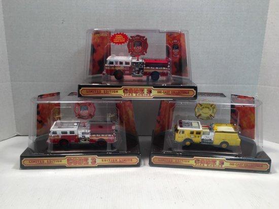 CODE 3 SEAGRAVE Die-Cast Metal Fire Trucks
