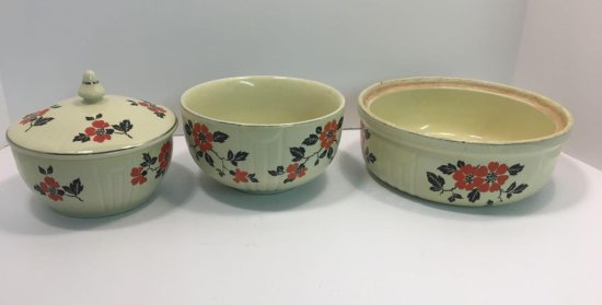 HALL'S SUPERIOR bowls (1/lid; red poppy pattern)