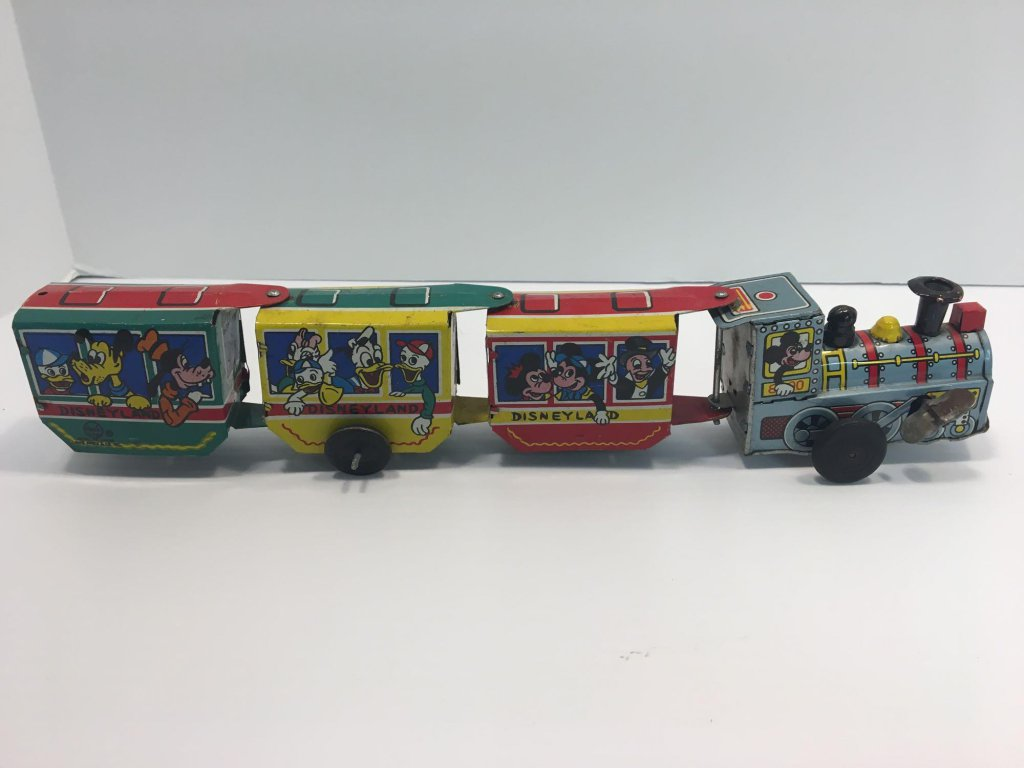 MARX tin/litho DISNEYLAND toy train(see video)