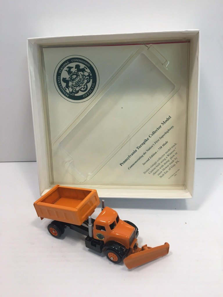 WINROSS die cast collectible(Pennsylvania Turnpike Commission snowplow truck)