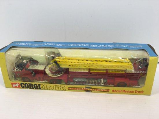 CORGI MAJOR American LaFrance Ariel rescue truck(1143)