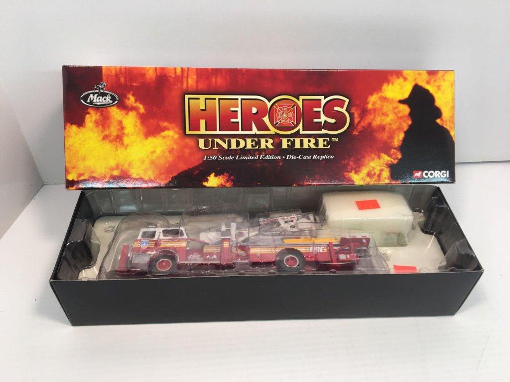CORGI Heroes Under Fire die cast metal MACK CF TOWER LADDER fire trick(MAHANOY CITY PA)