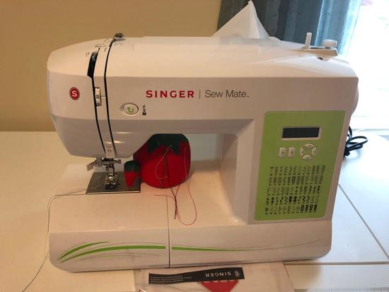 SINGER Sew Mate sewing machine(model 5400)