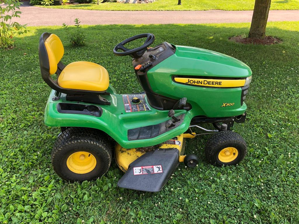 john deere x300 lawn tractor auctions online proxibid. Black Bedroom Furniture Sets. Home Design Ideas
