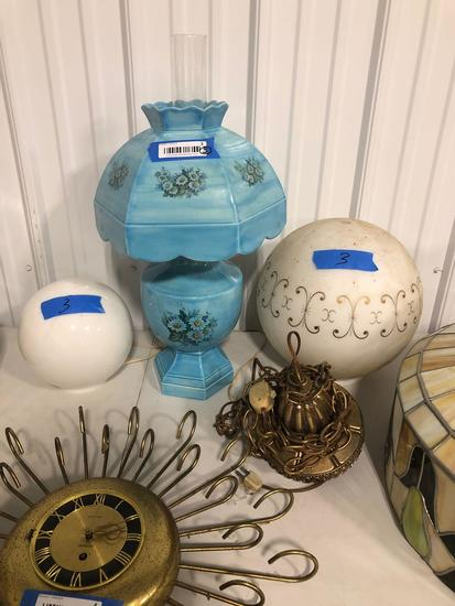 Decorative Table Lamp & two Globes