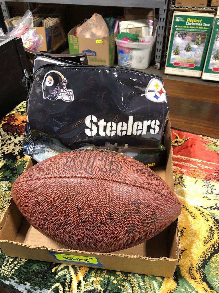 NFL Pittsburg Steelers Items, Albums, Decorations