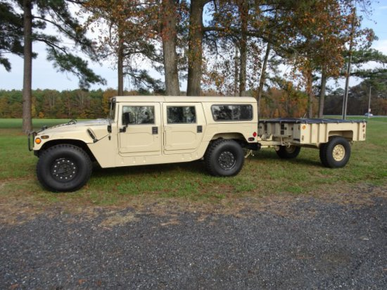 #4901 LIMITED EDITION 1992 AM GENERAL HUMMER H1 WITH HUMMER TRAILER  1992 W