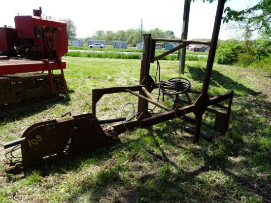 CUSTOM BUILT HYD PIPE STRAIGHTNER 3 & 2 WITH SKID LOADER ATTACHMENT