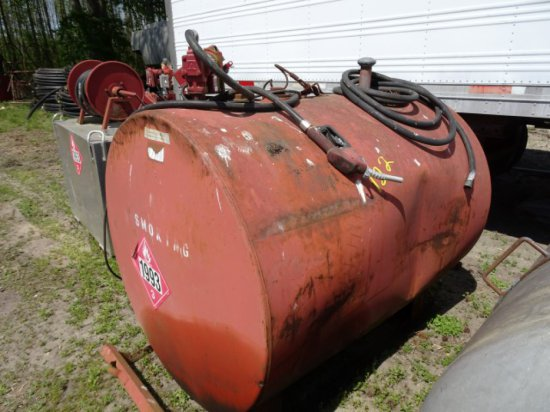 STEEL FUEL TANK APPROXIMATELY 500 GAL WITH FILL RITE HEAVY DUTY 15 GPM PUMP