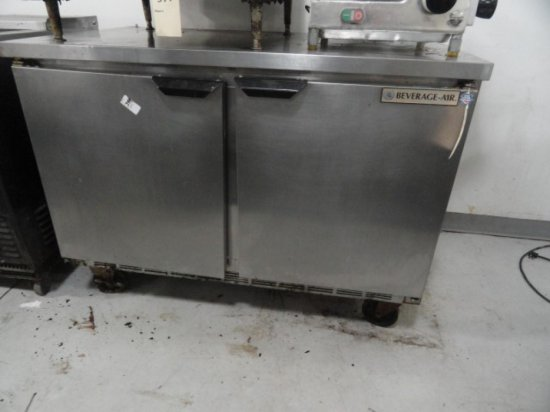 BEVERAGE AIR DBL DOOR REFRIG WORK TOP ON CASTERS MOD WTR 48A