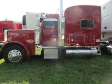 2005 PETERBILT 379 UNIBILT ULTRA CAB SLEEPER