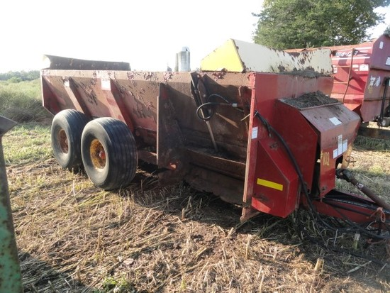 NEW HOLLAND SIDE DISCHARGE MANURE SPREADER MISSING IMPELLER ROUGH CONDITION