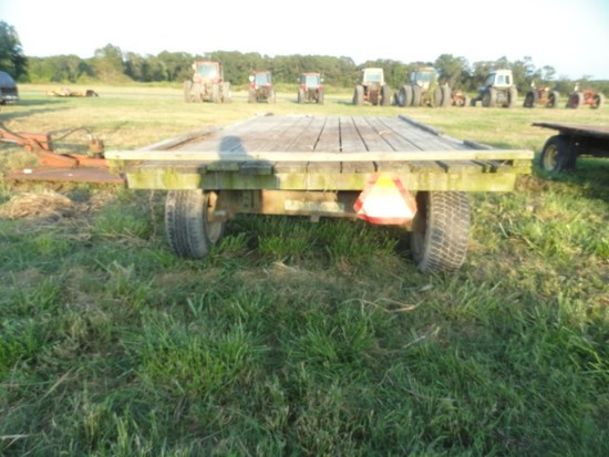 HAY WAGON WITH NEW HOLLAND FRAME 16 X 8 DECK