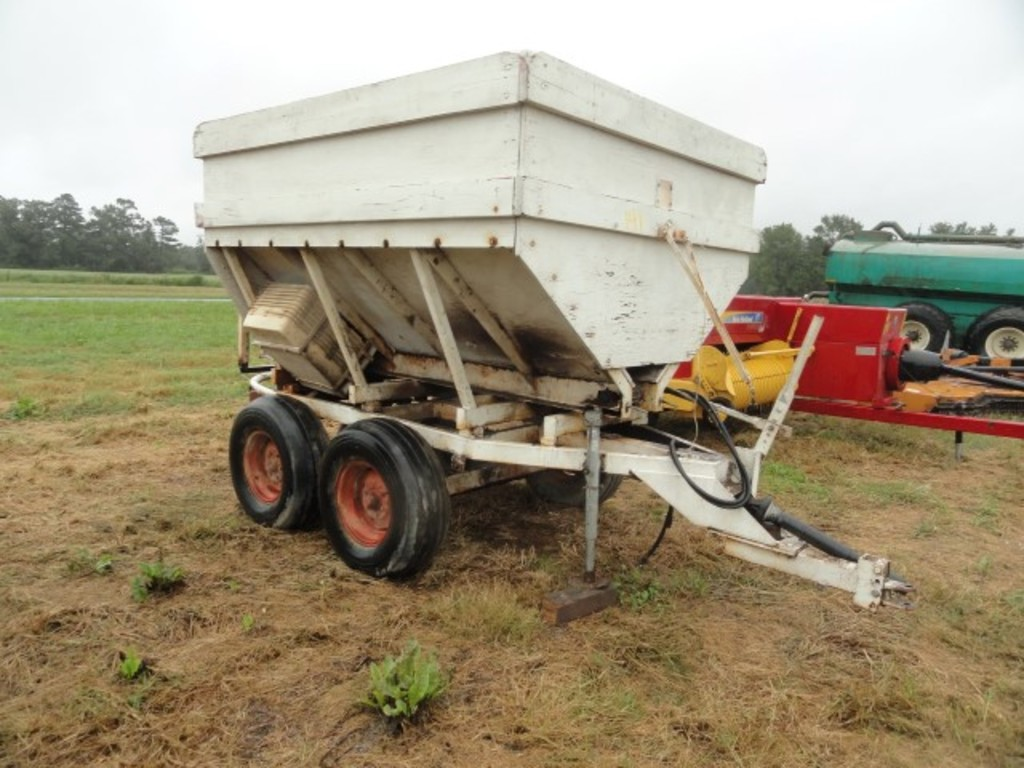 HOMEMADE SEED SPREADER | Farm Machinery