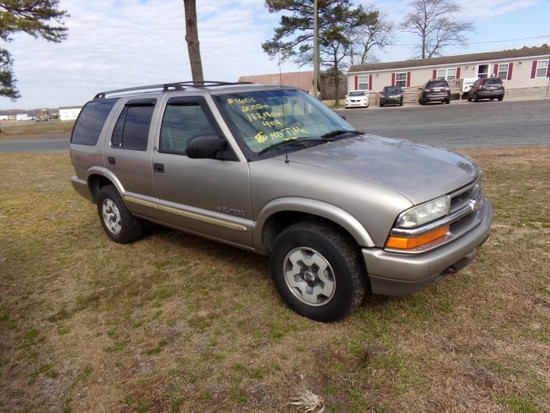 #1601 2002 CHEVY BLAZER 182140 MILES 4X4 AUTO TRANS DAMAGE TO REAR QTR NO T