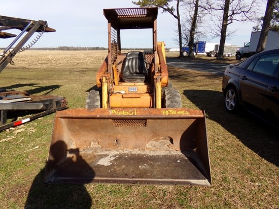 #6601 CASE 1840 SKID STEERE UNI LOADER 4038 HRS BUCKET ATTACHMENT