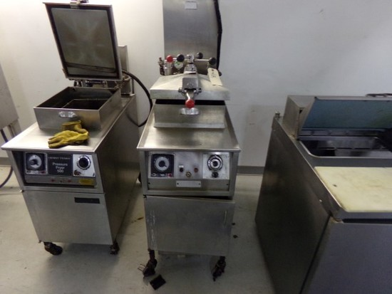 HENNY PENNY ELECTRIC PRESSURE FRYER