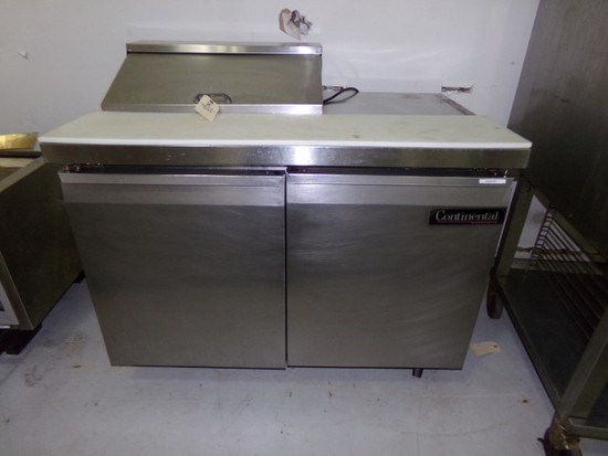 "CONTINENTAL 48"" REFRIGERATED PREP STATION ON CASTERS"