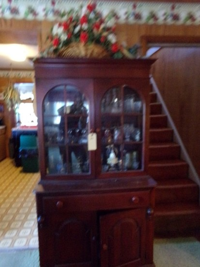 MAHOGANY CHINA HUTCH WITH CONTENTS TO INCLUDE CRYSTAL STEMWARE PRESSED GLAS