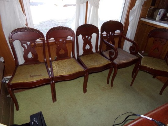 SET OF FIVE MAHOGANY CHAIRS INCLUDING ONE ARM CHAIR ONE CHAIR HAS REPAIRS