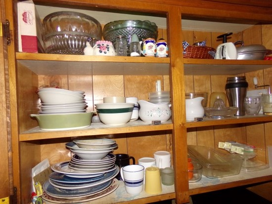 CONTENTS OF ALL TOP KITCHEN CABINETS TO INCLUDE GLASSWARE BOWLS JUICERS