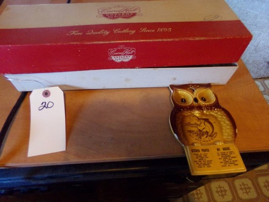 CARVEL HALL CARVING SET IN ORIGINAL BOX LIKE NEW AND VINTAGE OCEAN CITY SPO