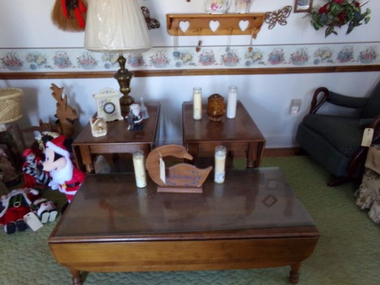 THREE PIECE LIVING ROOM SET WITH COFFEE TABLE AND TWO END TABLES AND DECORA