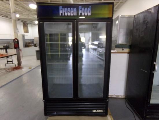 TRUE DOUBLE GLASS DOOR MERCHANDISER FREEZER MOD GDM-43F