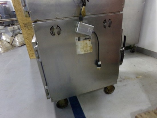ALTO-SHAAM PASS THROUGH HOLDING CABINET MODEL #750-S7PT ON CASTERS