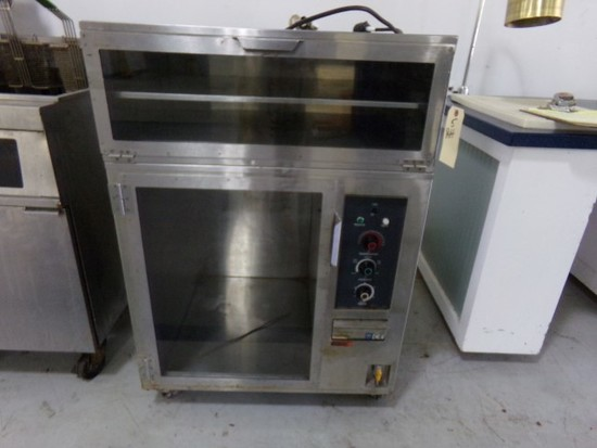 LONG HEATED CABINET ON CASTERS 30X28X43
