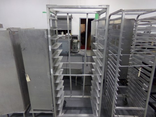 ALUMINUM FULL SIZE SIDE LOAD SHEET TRAY RACK ON CASTERS 13 TRAYS