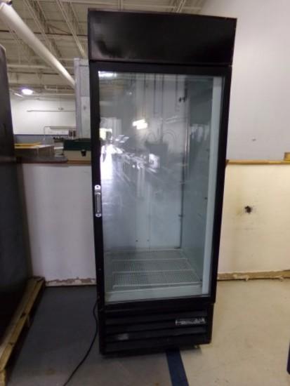 BEVERAGE AIR SINGLE GLASS DOOR MERCHANDISER MOD MT27 ON CASTERS