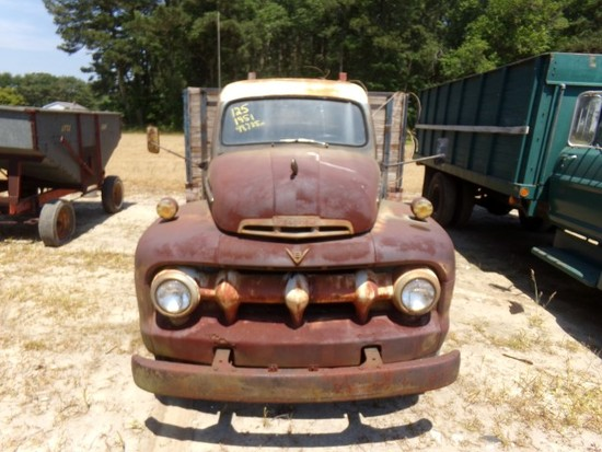 1951 FORD F5 NO TITLE SHOWING 99791 MILES V8 FLAT HEAD 6 WHEELER 13' WOODEN GRAIN BO